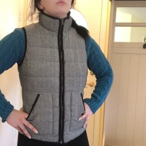 Black and white optical illusion pattern vest